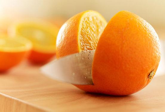 吃橘类水果应尽量连着橘络一起吃才更有营养